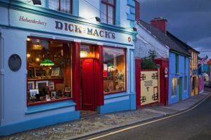 Dick Macks Pub Dingle